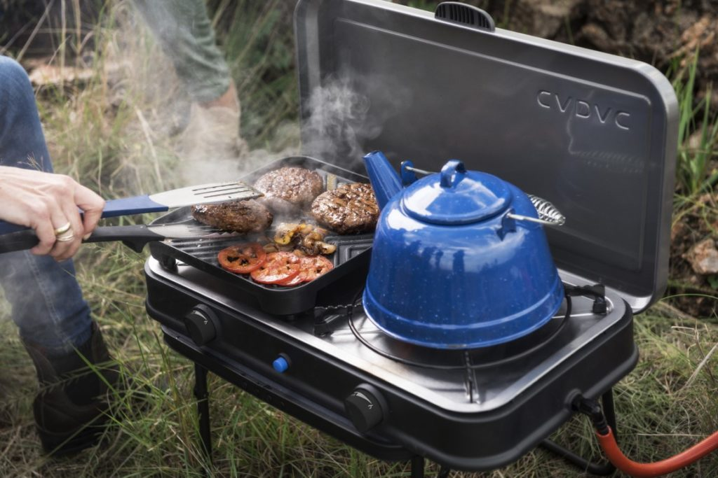 Outdoor cooking gas stove